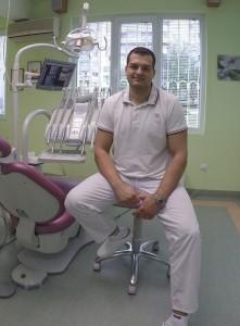 Божидар Молдованов Зъболекар